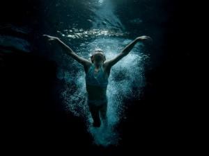 Lexi underwater-13